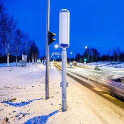 Tornion ja Pellon välille asennetut uudet nopeusvalvontakamerat käyttöön vasta kesällä – uudet kamerat mittaavat jopa 32 autoa molemmilta kaistoilta
