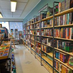 Raahen uuden kirjakaupan avajaisia vietetään tänään - katso video putiikilta!