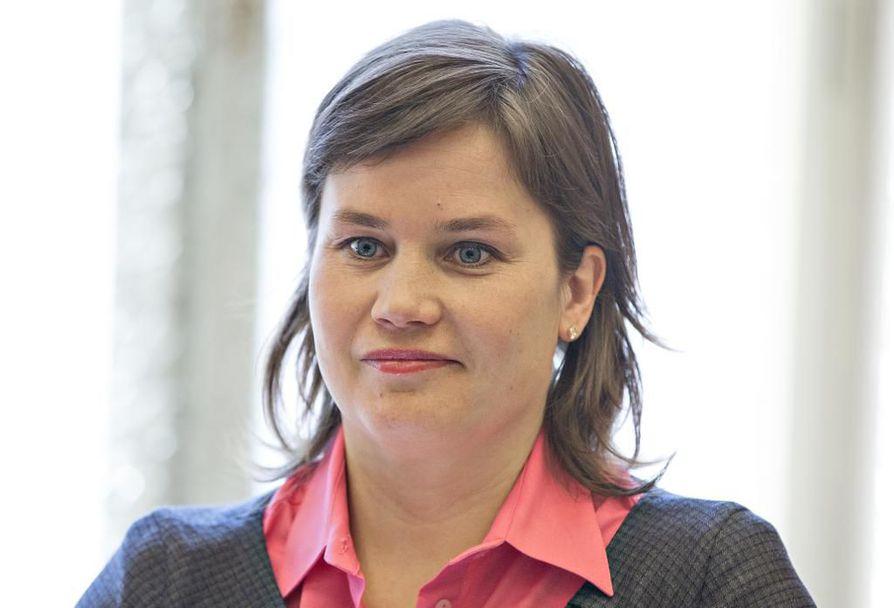 Mirja Vehkaperä myönsi putoamisen europarlamentistä olevan iso pettymys.