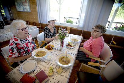 Ruoka yhdistää ihmisiä – yksinäisyys voi viedä ruokahalun