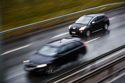 Iin ohituskaistaurakka valmistuu tänä syksynä – Oulu–Kemi-välille saadaan myös muuttuvat nopeusrajoitusmerkit