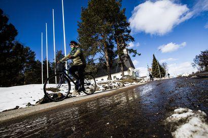 Lumi sulaa, kun kevään lämpöaalto saavuttaa Lapin –Hiihtokeskuksissa lasketellaan jopa äitienpäivään saakka
