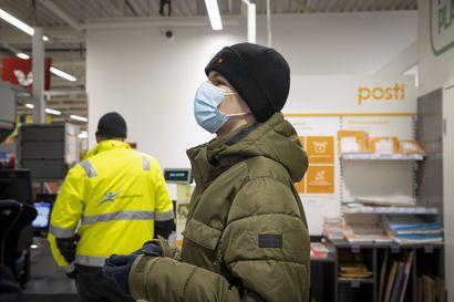 """Postin palvelupisteet lopettavat Kaukovainolla, Kempeleessä ja Kiimingissä – Kaukovainiolla jatkaa automaatti: """"Asioidessa ei tarvitse odotella turhaan"""""""