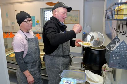 Lapaluodon Kalahalli on nyt myös lounasravintola: Vilkas vastaanotto yllätti yrittäjät