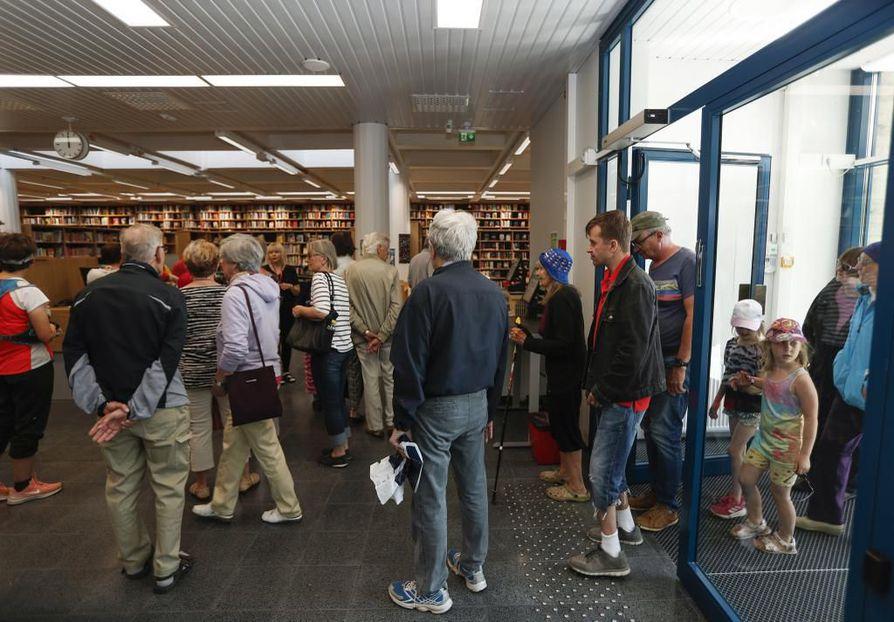 Tapahtuma houkutteli paikalle kolmisenkymmentä kirjaston asiakasta.