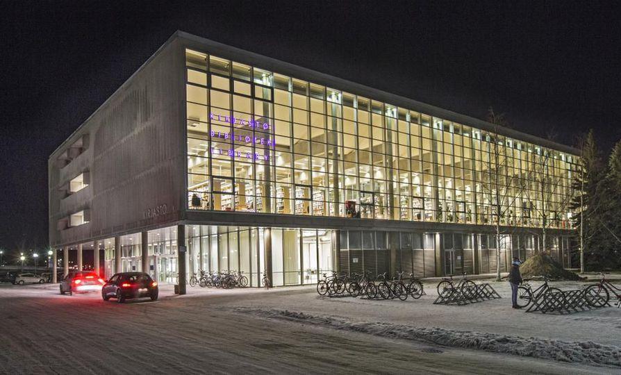 Oulun kaupungin pääkirjaston vessojen käyttöastetta ei mitata. Kirjastossa vierailee päivittäin 2000-3500 ihmistä.