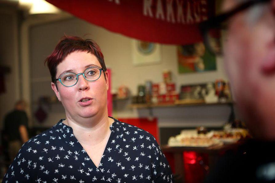Merja Kyllönen valitsee eduskunnan omaishoidon vuoksi.