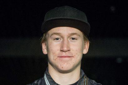 Akseli Ahvenainen parikumpareiden voittoon Åressa