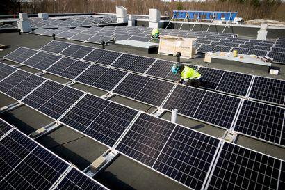 Aurinkovoimaa tulee firmojen katoille lisää – yritykset käyttävät aurinkoa taloushyöty edellä