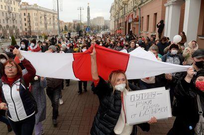 Valko-Venäjällä aloitettiin lakkoilu hallinnon paineen alla – ihmisoikeusjärjestön mukaan 155 pidätetty