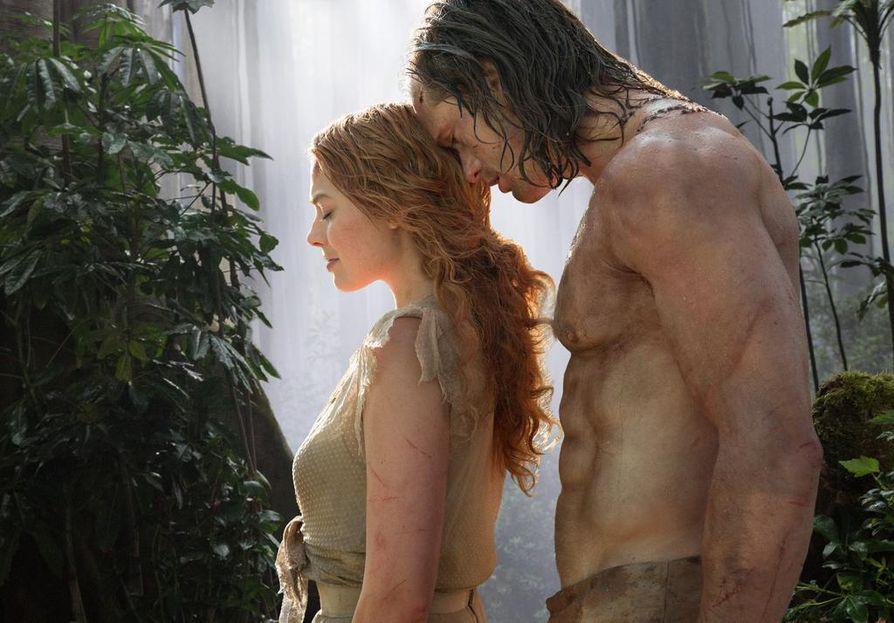 Tarzanin legendassa Margot Robbie on Jane ja Alexander Skarsgård on Tarzan. Alkuperäisten tarinoiden kolonialismia karsitaan ahkerasti.