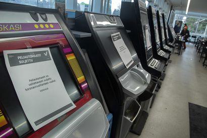 Moni peliongelmainen huokaisi syvään, kun rahapeliautomaatit suljettiin neljä kuukautta sitten –Nyt Veikkaus avaa osan automaateistaan, joita ei kohta pääse pelaamaan ilman tunnistautumista