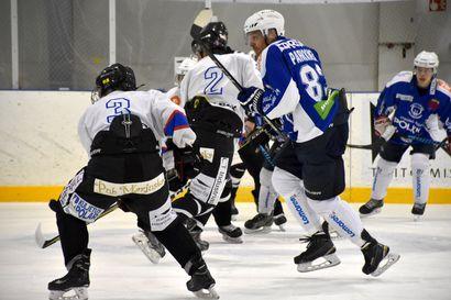 Lukijalta: Ala-arvoista jääkiekkotuomarointia Kuusamossa