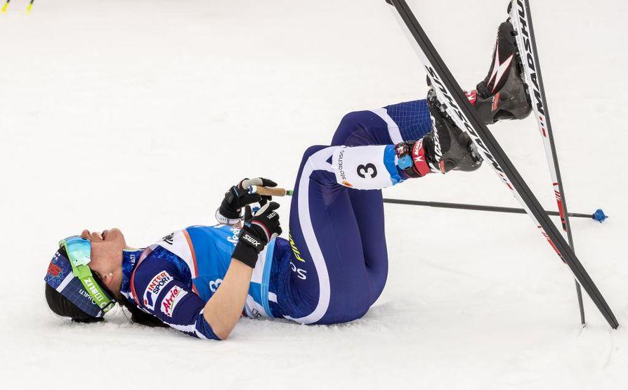 Krista Pärmäkoski ja naisten hiihtojoukkue jäivät ilman mitalia.