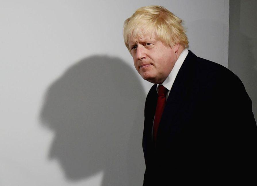 Viikonloppuna julkisuuteen tullut Boris Johnsonin (kuvassa) parisuhdekärhämä saattaa ratkaista, kuka Britanniaa johtaa Theresa Mayn jälkeen.