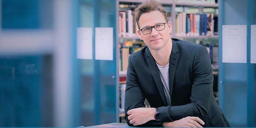 Kirjoittaja Jouni-Matti Kuukkanen.