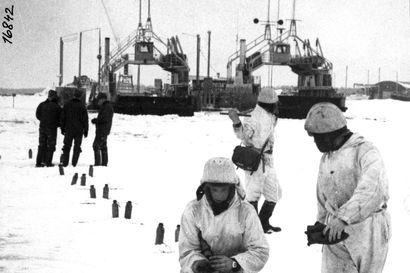 Vanhat kuvat: Oulun räjäytykset ovat vetäneet väkeä – muistako Toppilan siilojen räjäytysten sarjan?