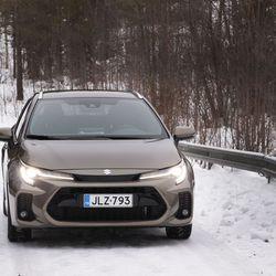 Suzuki Swace on kuin Toyota Corolla – Eroa löytyy maskista, hinnasta ja varusteista