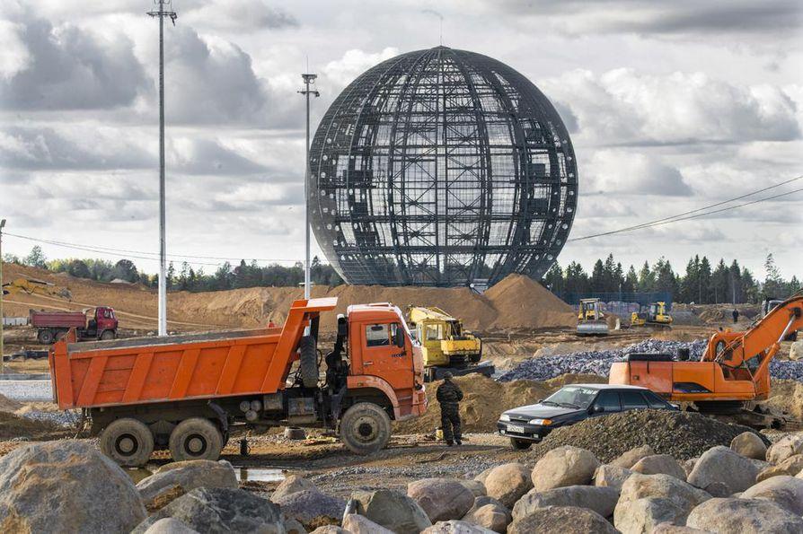Radan rakentamisessa ei työtunteja säästellä, vaan rakentaminen on käynnissä seitsemänä päivänä viikossa.