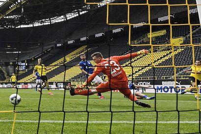 Bundesliiga palasi koronaviruksen tuomalta tauolta – Dortmund murskaava derbypelissä
