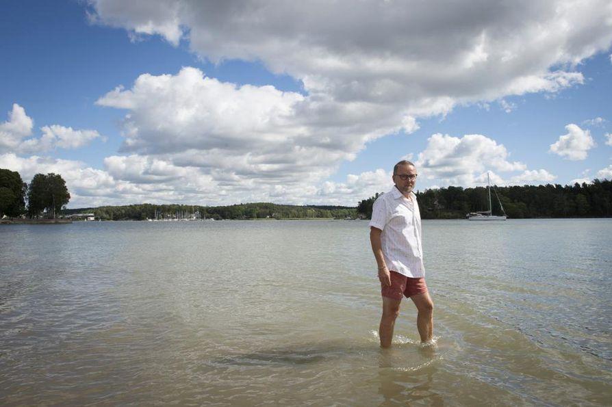 Professori Veijo Jormalainen on viihtynyt Saaristomeren rannoilla hyvin. Kuopiolaislähtöinen Jormalainen sanoo, että Saaristomeri muistuttaa Savon isoja järviä, vaikka eliöstö onkin erilaista.