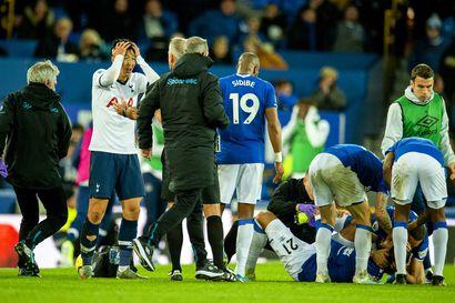 Leicester jatkaa vahvasti Valioliigassa, Evertonin Gomesilta murtui nilkka