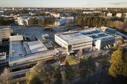 Oulun yliopistollisessa sairaalassa noin kymmenellä työntekijällä vatsatauti – bakteerin epäillään levinneen salaattipöydästä