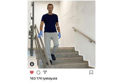 Elokuussa myrkytetty Aleksei Navalnyi pääsi pois sairaalasta – täysi toipuminen lääkäreiden mukaan mahdollista