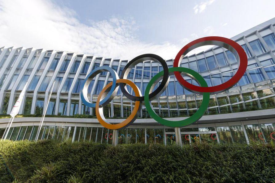 Olympiarenkaat Kansainvälisen olympiakomitean päämajan edustalla Sveitsin Lausannessa.