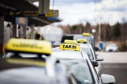 Taksiyrittäjän epäillään huiputtaneen Rovaniemen kaupungilta kymmeniätuhansia euroja törkeällä petoksella