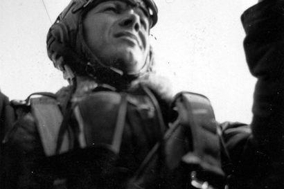 Isän sota: Lauri Honka jätti jälkeensä ainutlaatuisen aineiston sota-ajan kirjeitä ja päiväkirjoja –Tuomas Honka toimitti isänsä sotavuodet kirjaksi