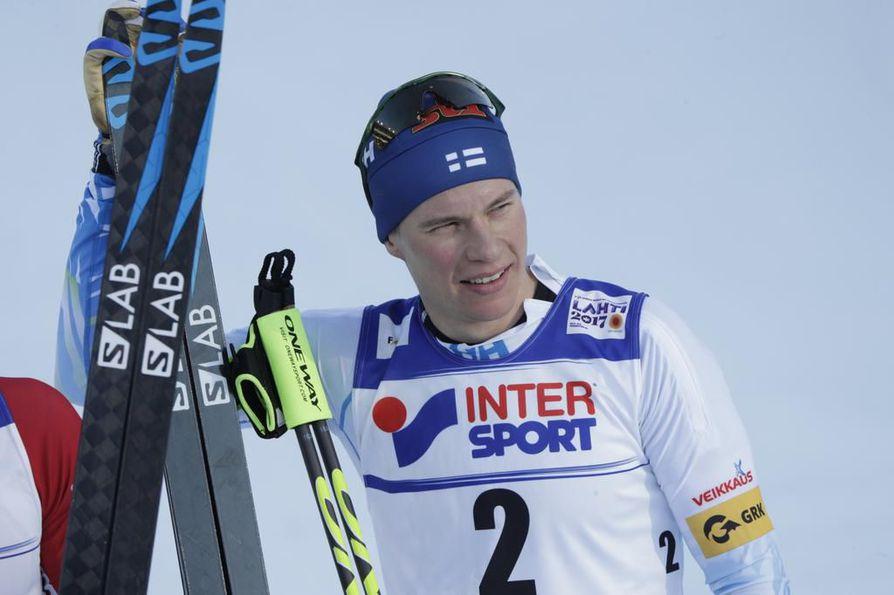 Matti Heikkinen kuroi itselleen pronssimitalin loppusuoralla.