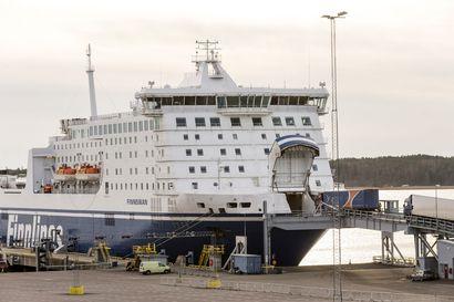 Lääkekuljetukset Suomeen varmistetaan laivoilla, Suomen Varustamot vakuuttaa – Matkustajalaivojen peruutukset eivät ole vielä vaikuttaneet rahtiin