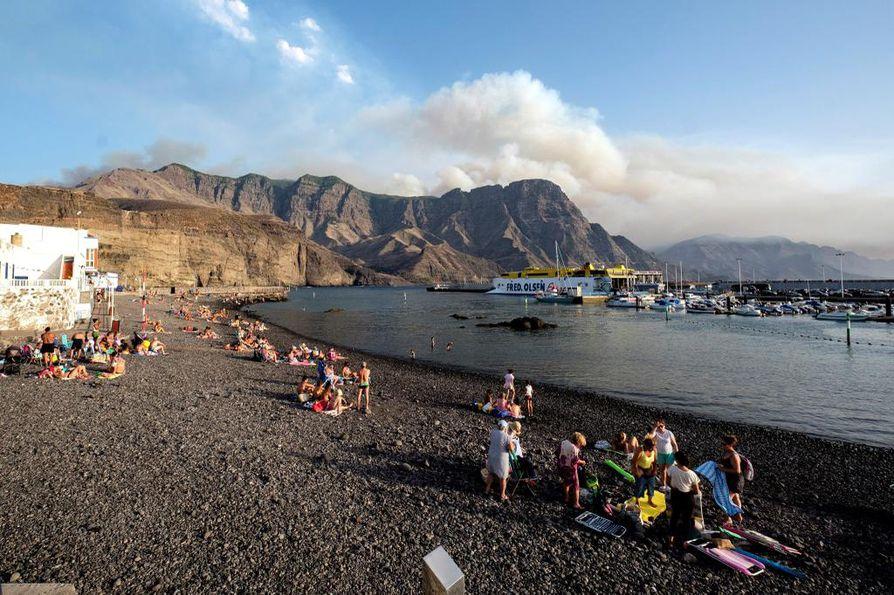 Gran Canarian maastopalot riehuvat tällä hetkellä saaren vuoristoisissa keskiosissa, ei rannoilla.