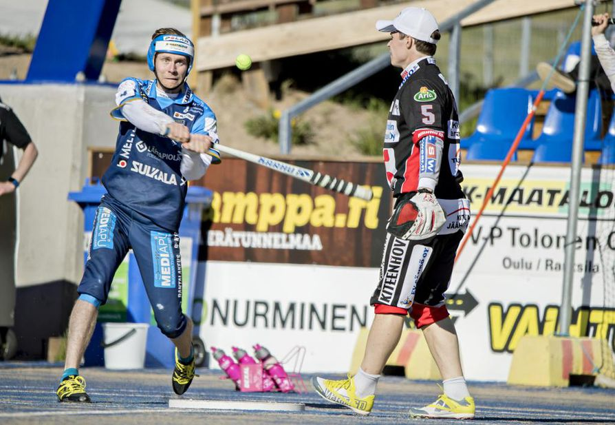 Kempeleen Kirin Juhani Ojala tahkoi tiistai-illan pelissä kaksi kunnaria ja neljä tavallista juoksua.