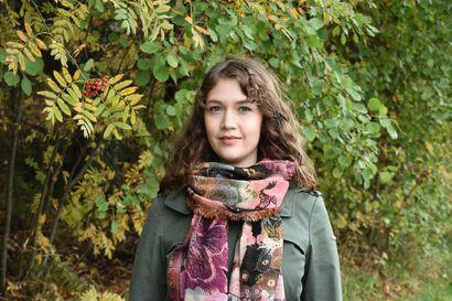 Lukiossa Annika Nivala piti taloustiedettä tärkeänä mutta myös unettavana – Nyt hän on tuore taloustieteen tohtori