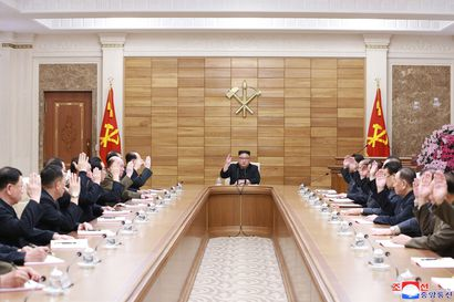 """Pohjois-Korean Kim Jong-un sai uuden tittelin: """"kaikkien korealaisten korkein edustaja"""""""