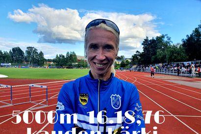 Annemari Kiekara juoksi 5000 metrin kärkiajan – Pudasjärven Urheilijoita nykyisin edustava juoksija otti nimiinsä yli 40-vuotiaiden Suomen ennätyksen