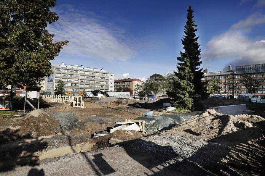 Mannerheimin puisto on tällä hetkellä rakennustöiden kourissa.