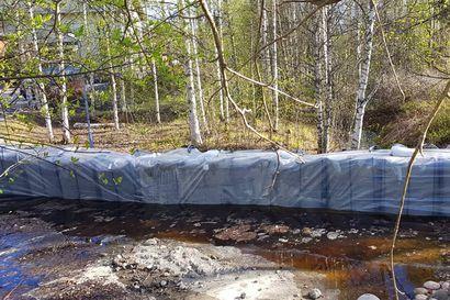 """Rovaniemeläisiä pyydetään välttämään tulvaturismia – """"Älkää tulko hädän keskelle"""""""
