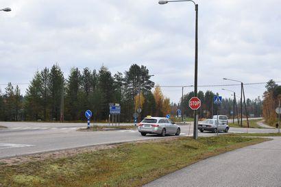 Stop-liikennemerkit vihdoin Posion neljän tien risteykseen – Koillissanomat testasi kuinka moni noudatti pakollista pysähtymistä