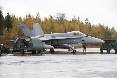 Suomen tulevan hävittäjän maaliosastona lentävät nykyiset Hornetit ja Hawkit, kun hävittäjiä testataan ensi viikosta alkaen Pirkkalassa