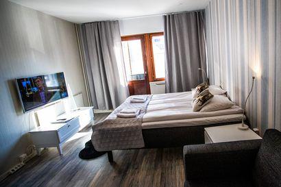 Kotimaan matkailijoiden yöpymiset kasvoivat Rovaniemellä joulukuussa – koronavuoden majoitusmyynti tippui lähes 27 miljoonaa euroa