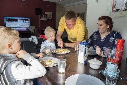 Justus Paulaniemi voisi elää pelkillä ranskanperunoilla – Valikoiva syöminen on lapsilla yleensä harmitonta, mutta joskus siihen voi olla hoitoa vaativa syy
