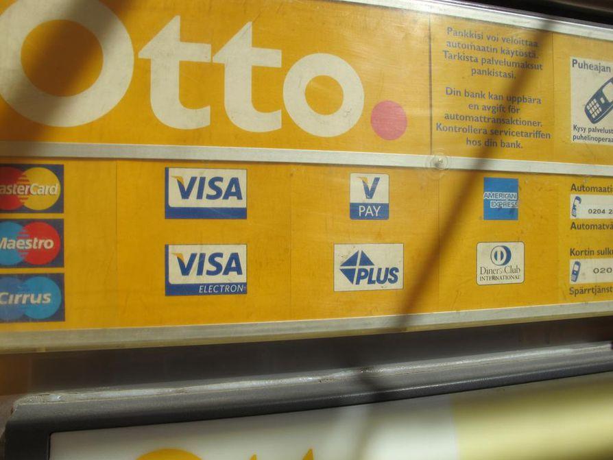 Otto-automaatteja sijoitetaan K-ruokakauppoihin.