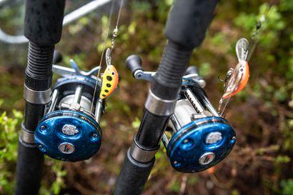 Missä saa kalastaa, entä miten hauki fileoidaan? - Omista kalastuspulmista voi nyt kysyä uudessa puhelinpalvelussa, torstaina ongelmissa auttaa Pohjois-Pohjanmaan kalatalousasiantuntija