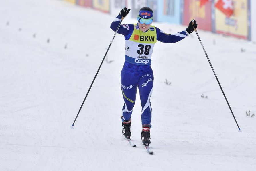 Krista Pärmäkoski ei ole ollut palkintopallilla Tour de Skin aikana. Normaalimatkoilla suomalaishiihtäjä on tullut maalin pian kärkikolmikon takana.