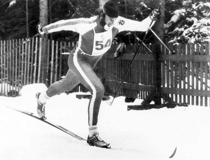 Juha Mieto antoi Lake Placidin 15 kilometrillä kaikkensa, mutta se ei riittänyt. Hän hävisi kullan yhdellä sadasosasekunnilla.