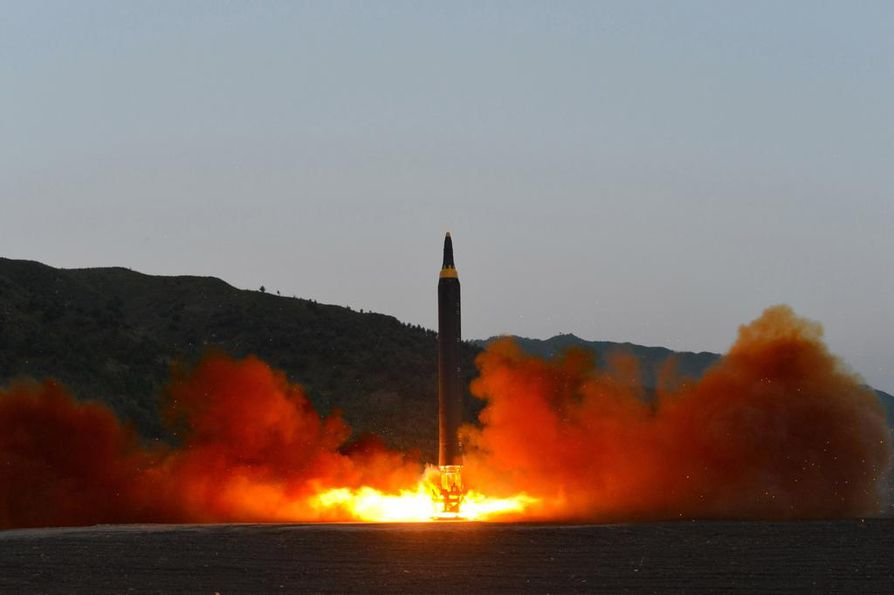 Kuvassa pohjois-korealainen ballistinen ohjus. Havaijin ohjusvaroituksessa ei mainittu mahdollisen hyökkäyksen alkuperää. Kuvituskuva.