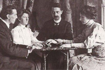 1800-luvun lopulla Suomessa pohdittiin, voisiko yhteys tuonpuoleiseen olla mahdollinen –spiritualisti ja meedio Madame d'Espérance tajosi vastauksia